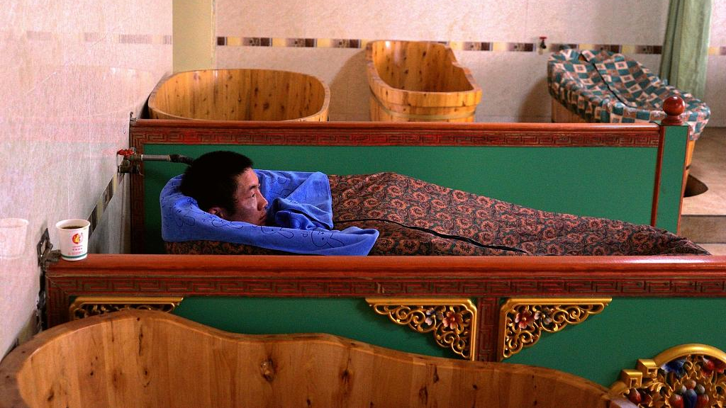 Tibetan medicinal bathing faces opportunities and challenges