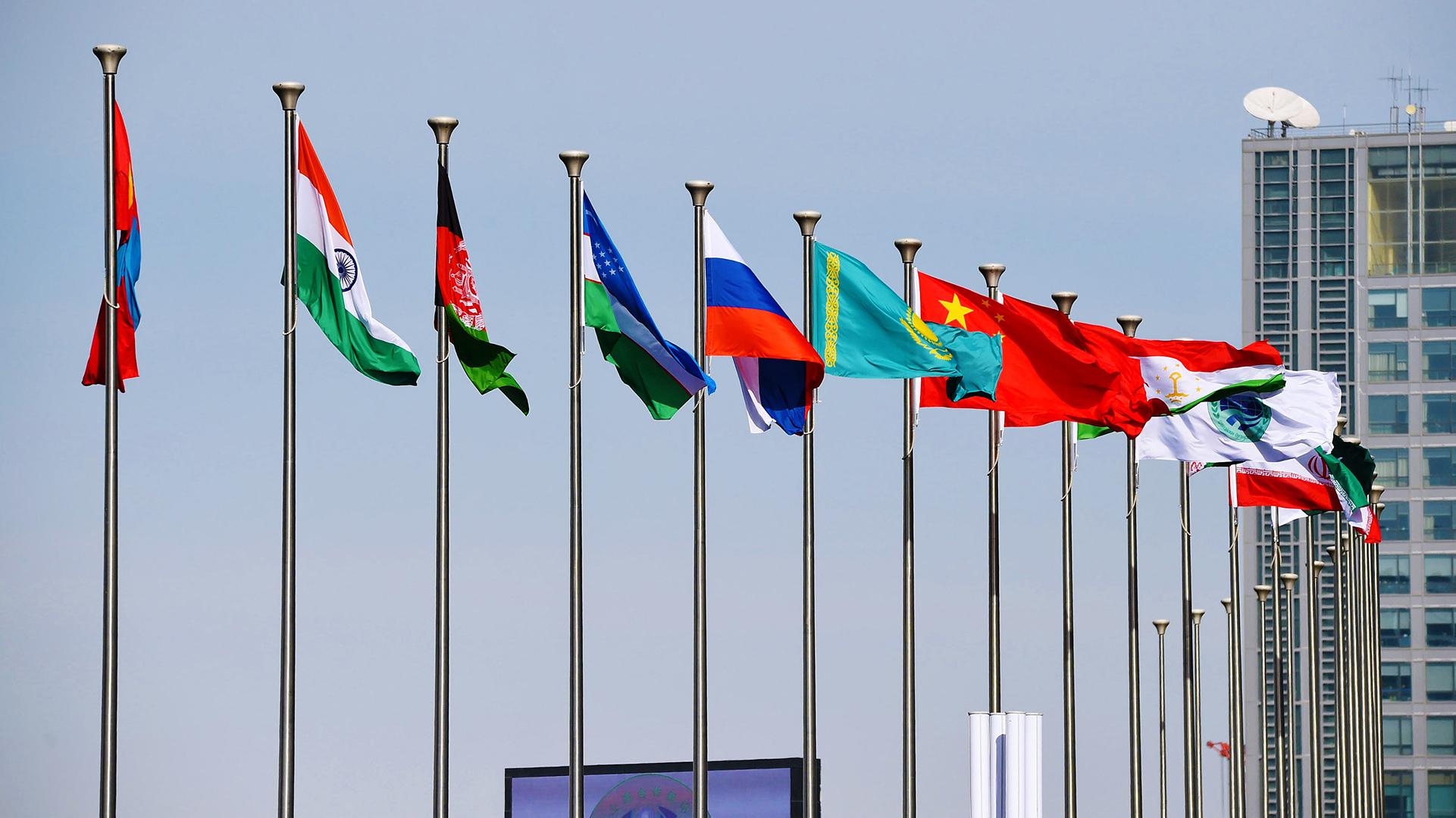 SCO undertakes triple roles in the new era