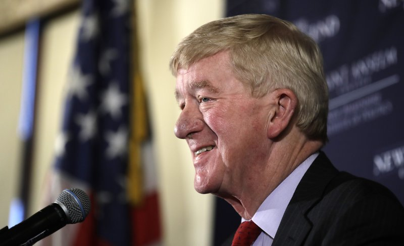 Weld takes GOP bid to oust Trump to NH voters