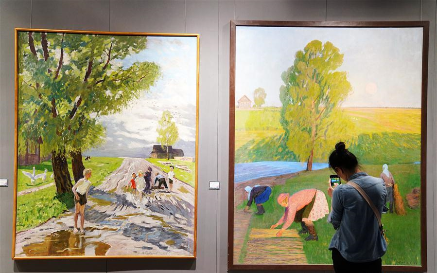 Int'l oil painting exhibition held in Harbin, China's Heilongjiang