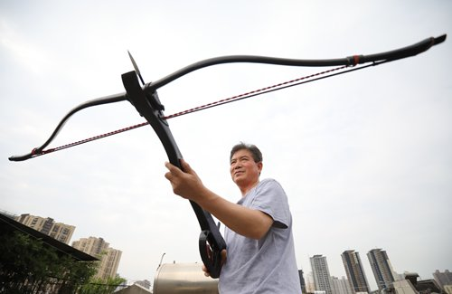Weapons enthusiast brings Qin Dynasty era to modern times