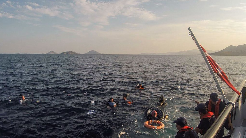 Death toll rises to 12 in boat sinking off western Turkey