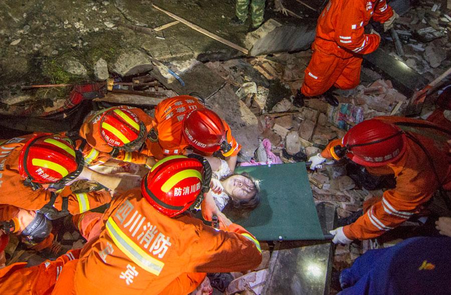 Magnitude 6 earthquake strikes Sichuan, kills 12