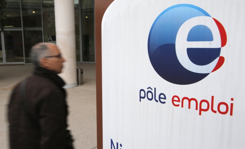 France plans to change jobless benefits, unions to protest
