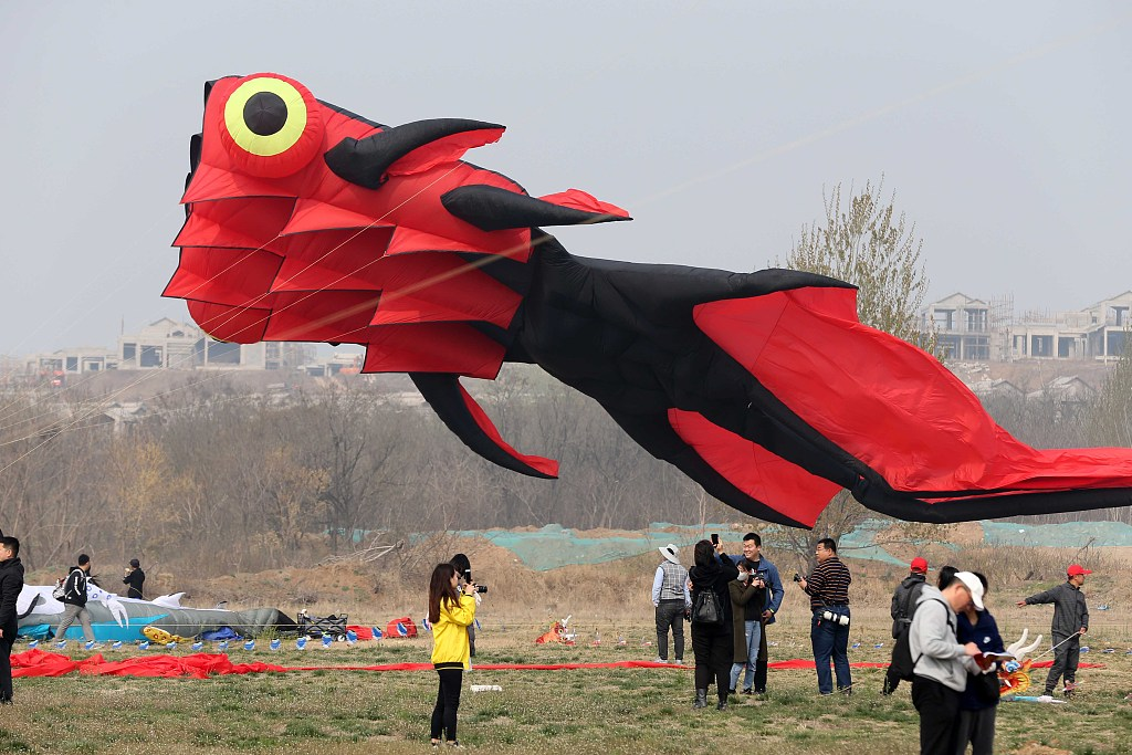 China's Weifang kite exhibition attracts Israelis