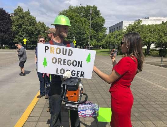 Oregon senators face $500 fines for fleeing, threaten to sue