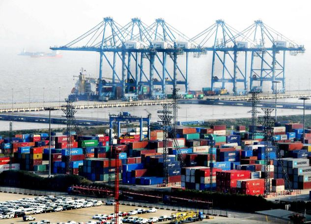 China's pilot free trade zones attract 40,000 foreign enterprises: report