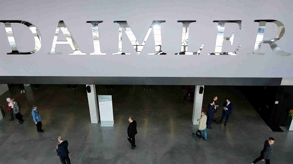 Daimler asked to recall 60,000 Mercedes diesels in Germany over emissions