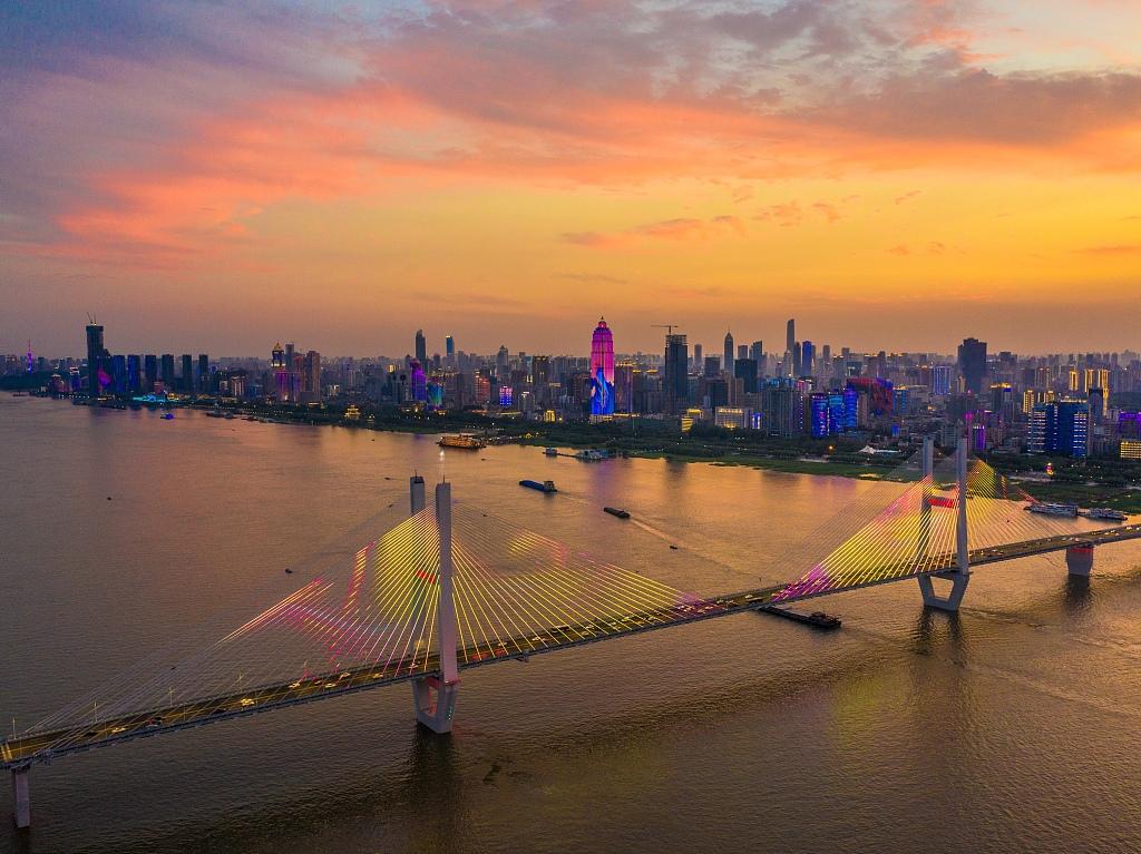 A province along Yangtze River drives to openness, innovation