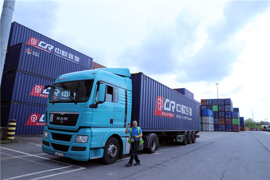 China's road cargo transport grows in Jan-May