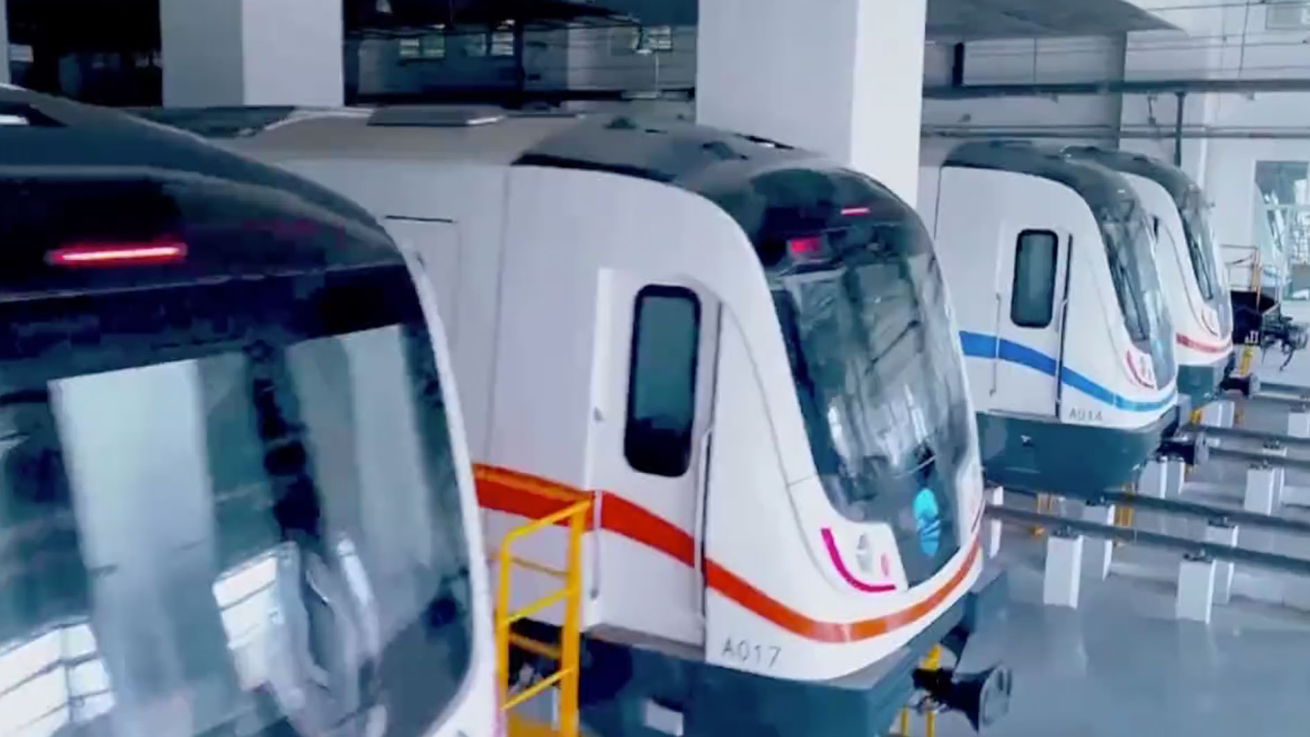 China's first metro line under Yellow River begins trial operation