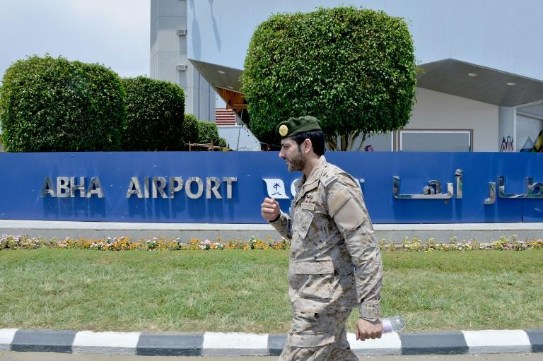 Yemeni rebel attack on Saudi airport kills one, wounds 21: coalition