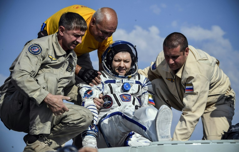 Home News Russian, North American astronauts return to earth