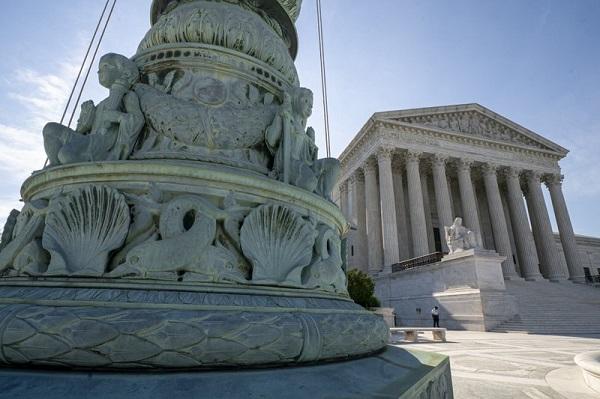 US Supreme Court blocks census citizenship question