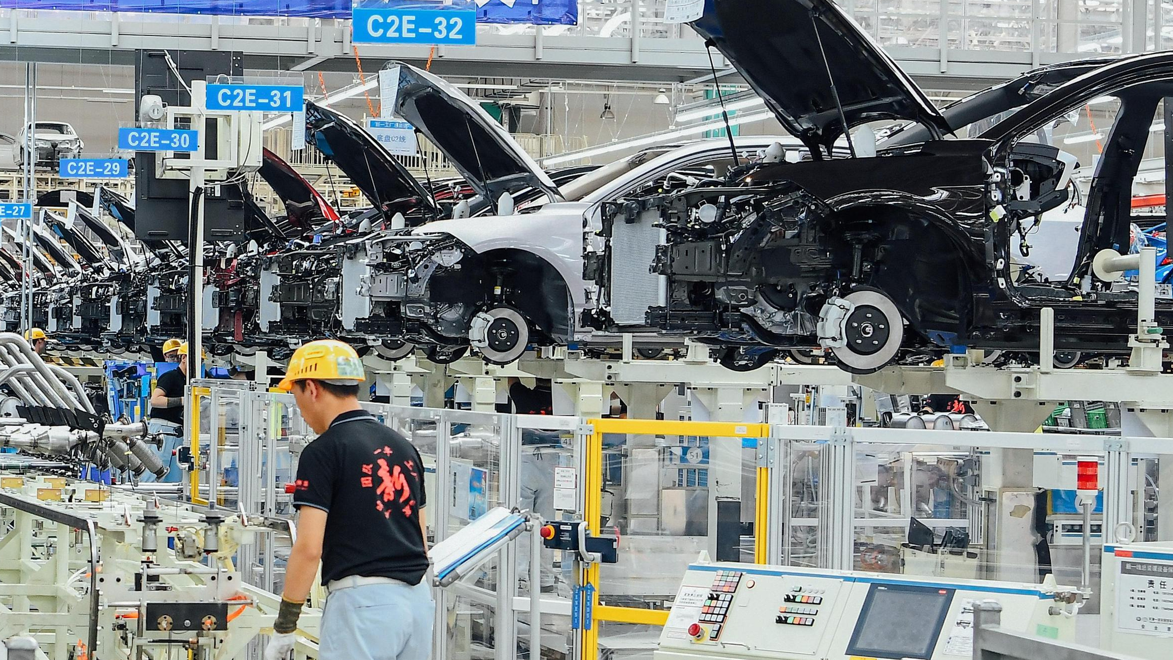 China's industrial profits rise 1.1 pct in May as sales quicken