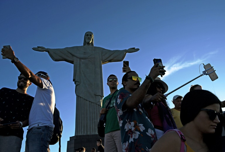 From Rio to Rome, a battle for selfie supremacy