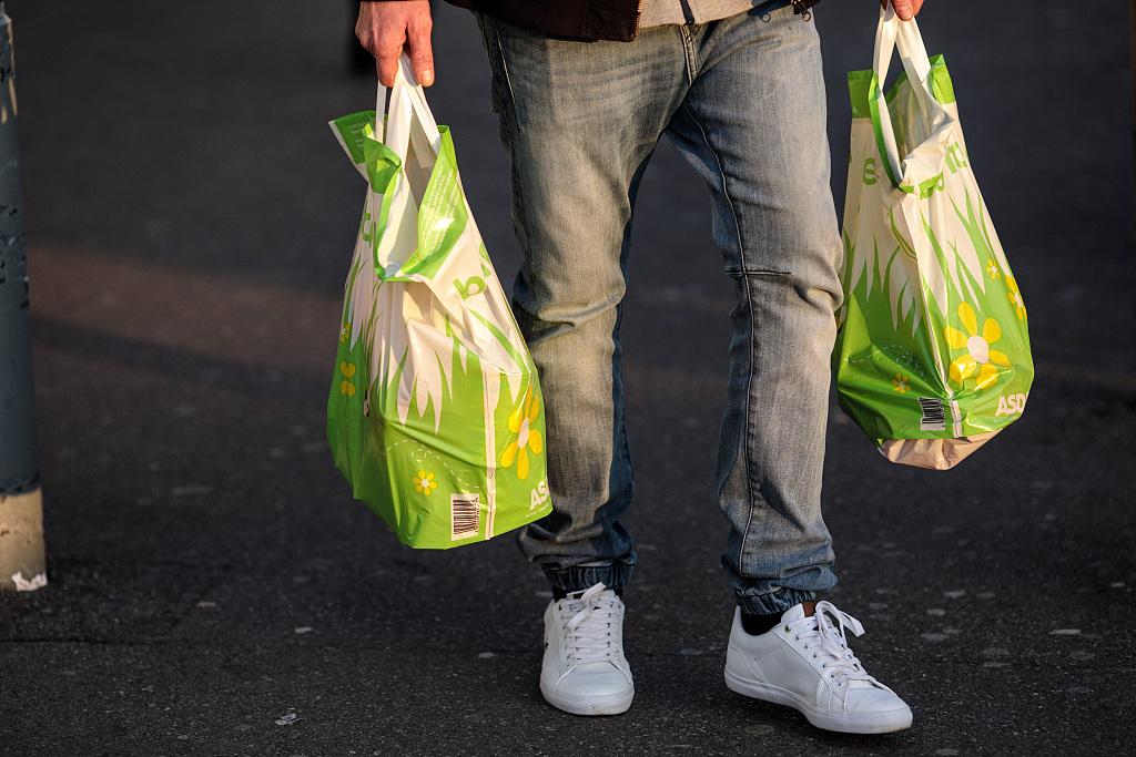 New Zealand's single-use plastic shopping bags ban kicks in