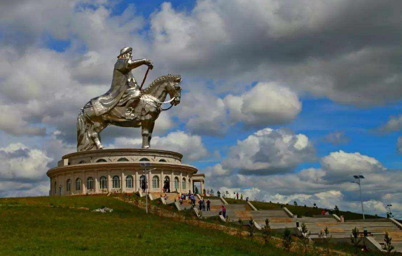 Mongolia sees sharp recovery in economy: IMF official