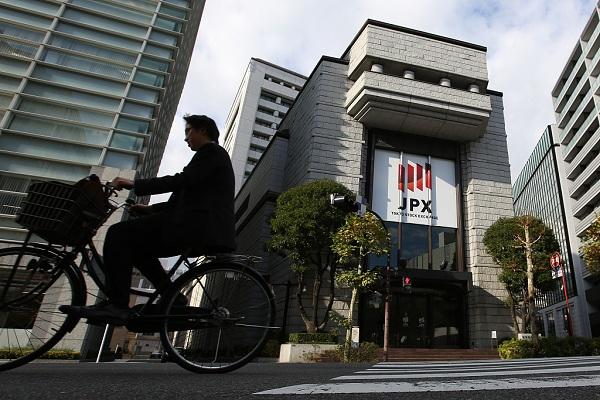 Tokyo stocks rise as Nikkei rallies to 2-month high