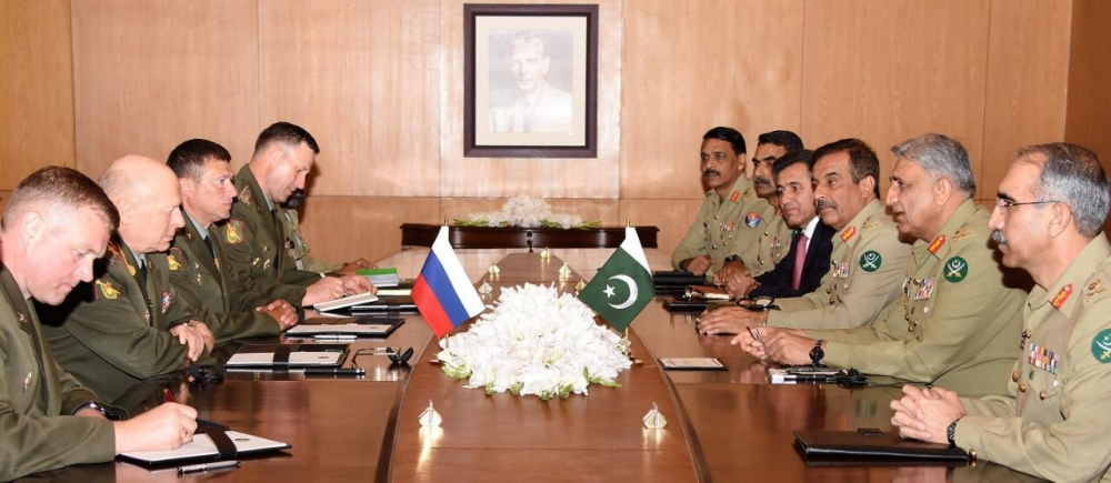 Pakistani, Russian forces' chiefs discuss to expand joint military ties