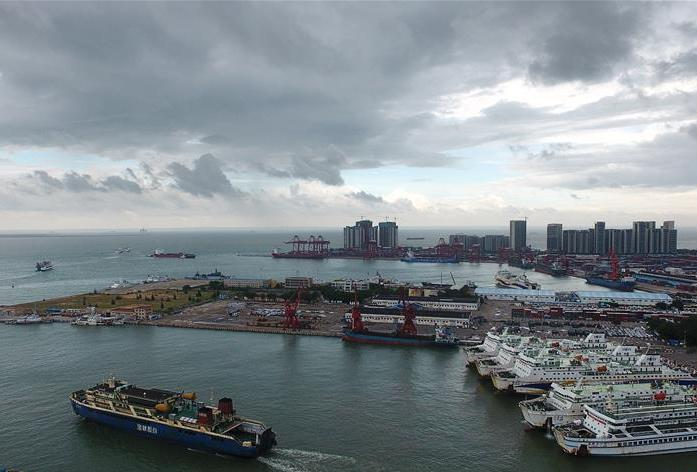 South China hit by first tropical storm of the season