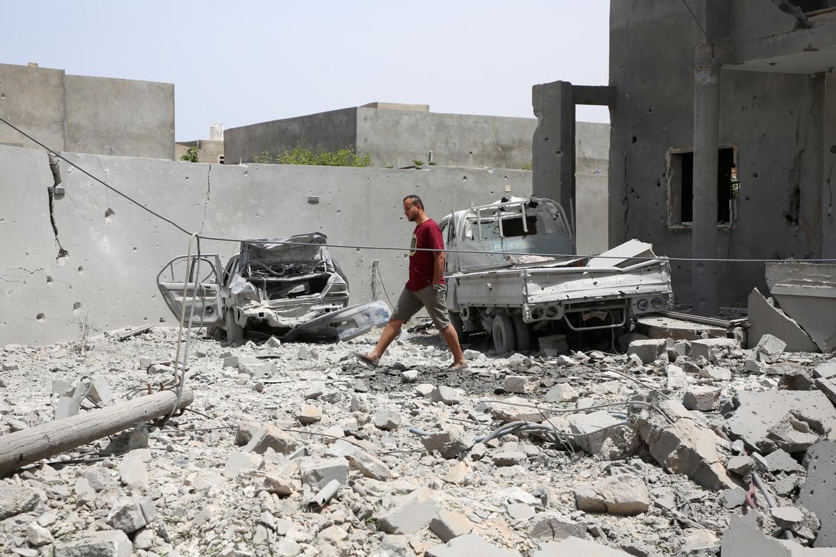40 killed in airstrike on Libya migrant center