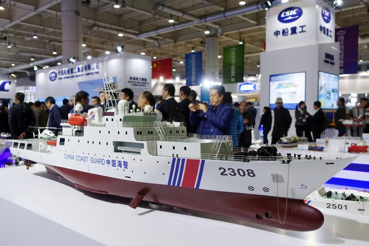 China's top shipbuilders mull merger
