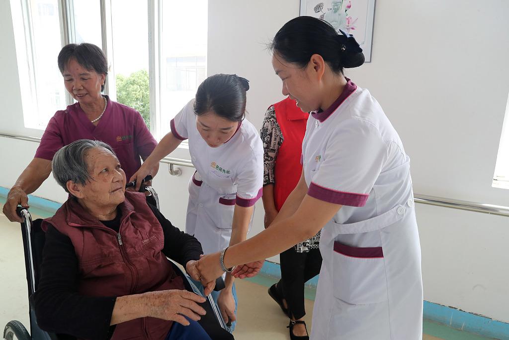 China rolls out psychological care program targeting elderly