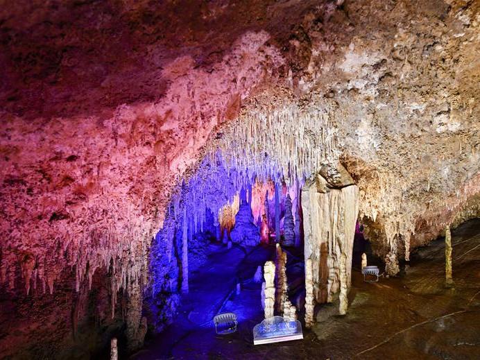 In pics: landscape inside Xueyu Cave in China's Chongqing
