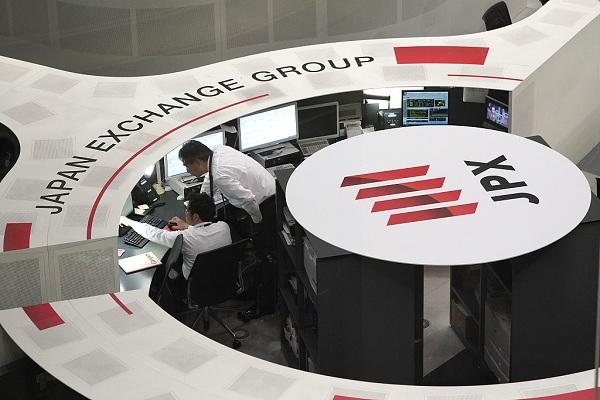 Tokyo stocks open flat as investors eye key US jobs data