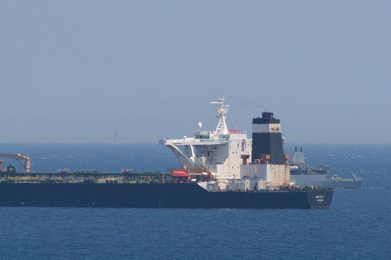 Iran should retaliate upon Britain's seizure of Iranian oil tanker: official