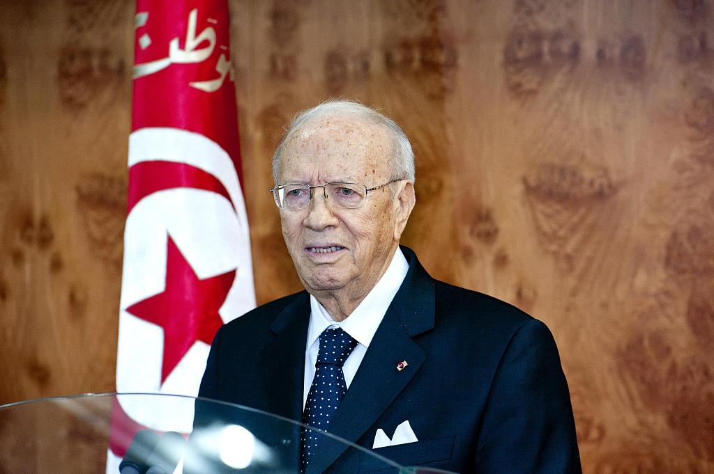 Tunisian president signs decree on 2019 legislative, presidential elections