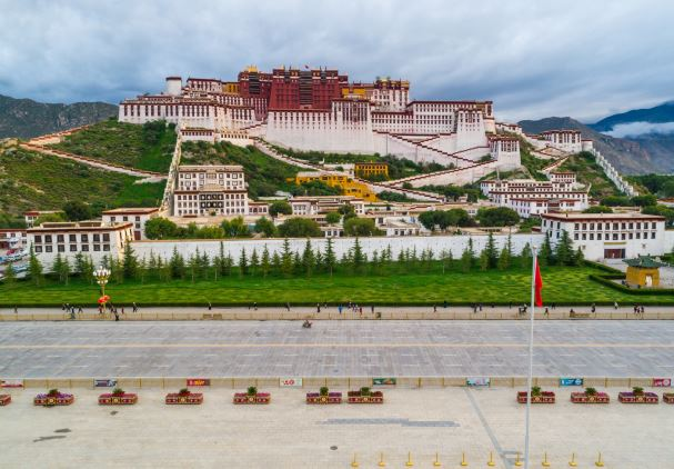 Lhasa records its first summer, as experts blame global warming