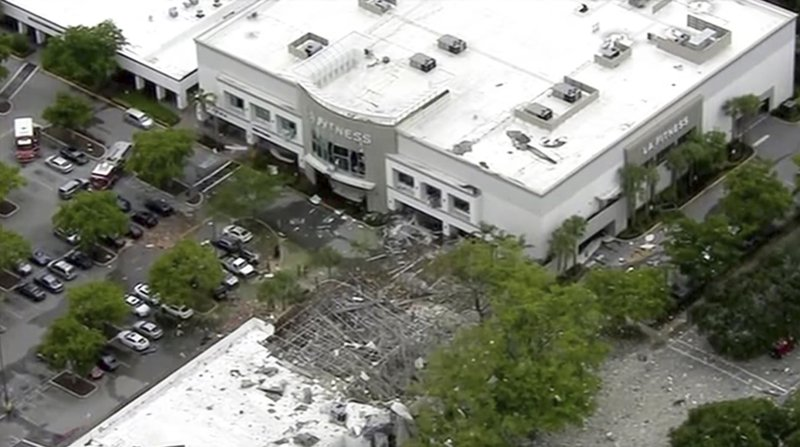 Explosion at Florida shopping plaza injures 20, 2 seriously