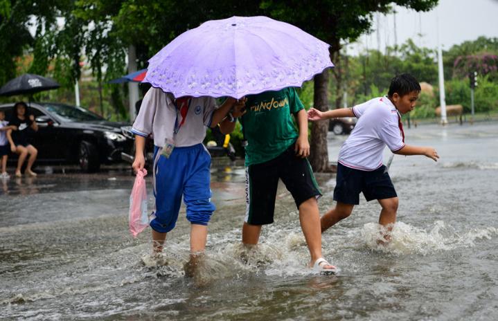 China issues yellow alert, emergency response warning of rains