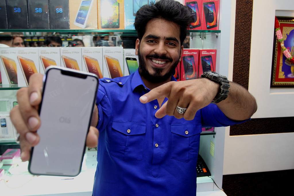 Shipments of iPhone to India decline 42%