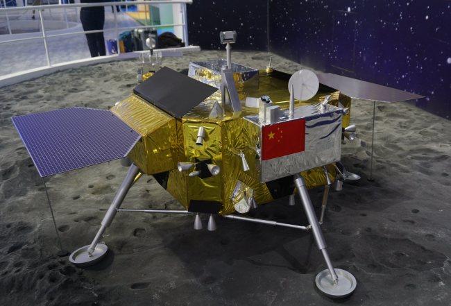 China's Chang'e-5 to take moon soil samples