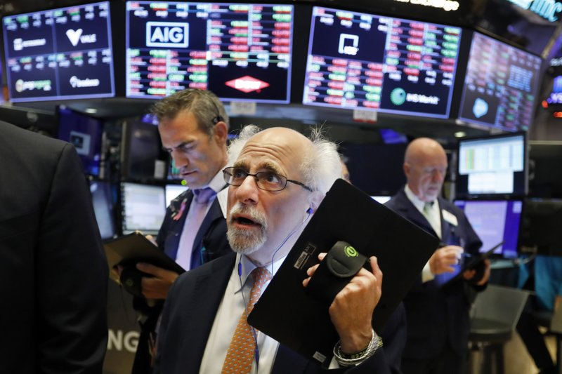 US stocks close lower amid falling corporate shares