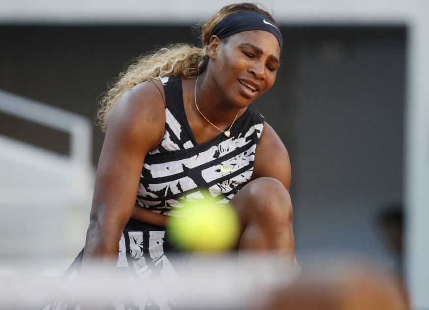 Williams fined 10K dollars for damaging Wimbledon court