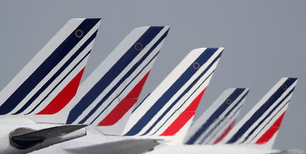 France to impose green tax on plane tickets to curb emissions