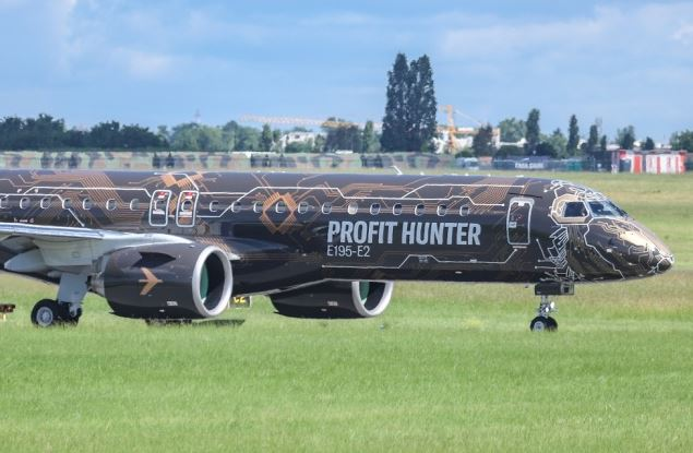 Newest aircraft of Brazilian Embraer debuts in southeast China
