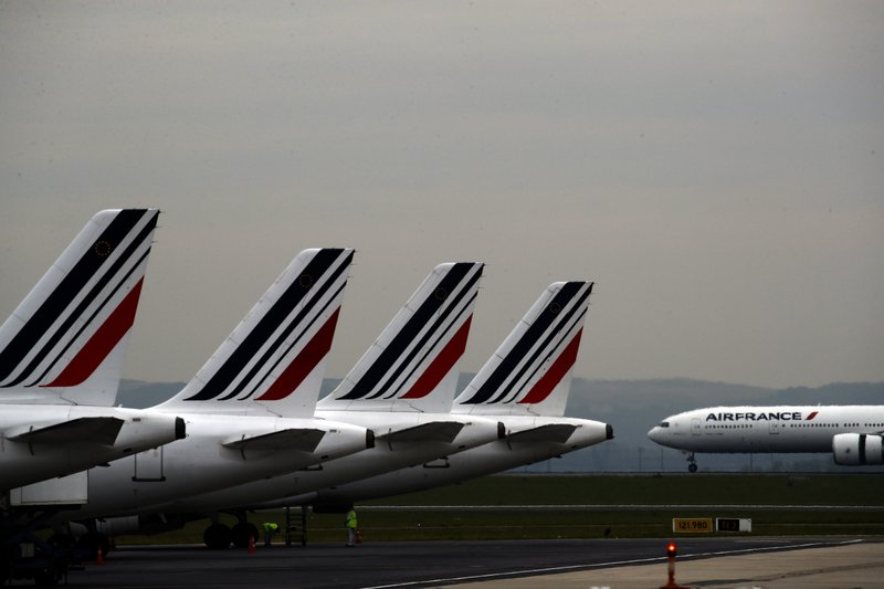 France will implement an 'ecotax' on plane tickets from 2020