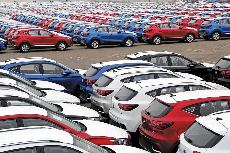China's passenger car sales up 4.9% in June