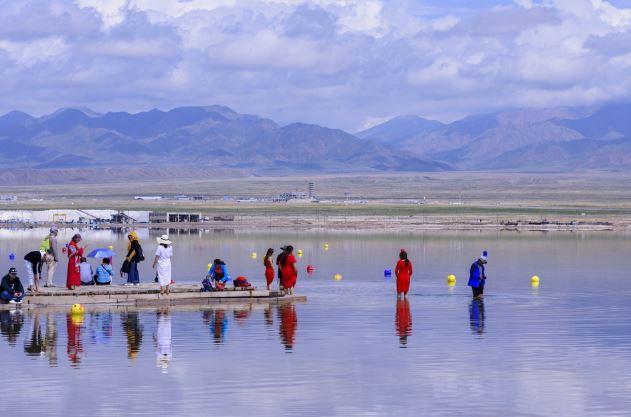 New tourist park to open at China's Chaka Salt Lake