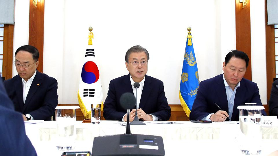 South Korea warns of 'prolonged' export row with Japan